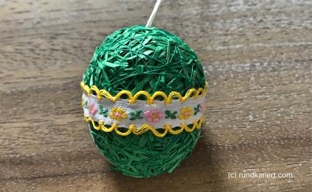 Osterei Verpackung Ostergras Geschenkband