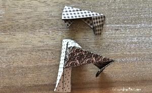Weihnachtlicher Türkranz Anleitung diy basteln Origami Kranz falten Art rundkariert Element 13