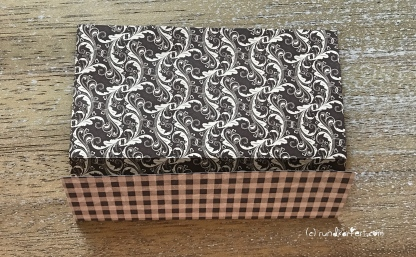 Weihnachtlicher Türkranz Anleitung diy basteln Origami Kranz falten Art rundkariert Element 3