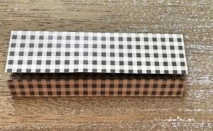 Weihnachtlicher Türkranz Anleitung diy basteln Origami Kranz falten Art rundkariert Element 4