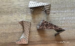 Weihnachtlicher Türkranz Anleitung diy basteln Origami Kranz falten Art rundkariert Element ecke würfel