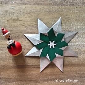 Adventskalender türchen Nr. 2 Origamistern DIY Anleitung rundkariert ruka unikate Schneeflocke
