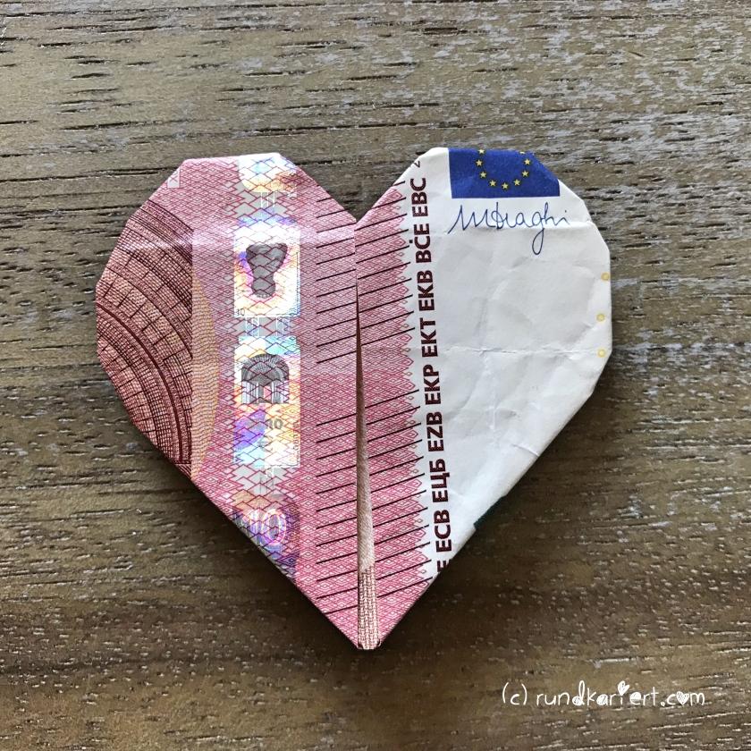 Karte_zur_Geburt_Mädchen_Anleitung_Sizzix_Milla_Geldgeschenk_Origami_Herz