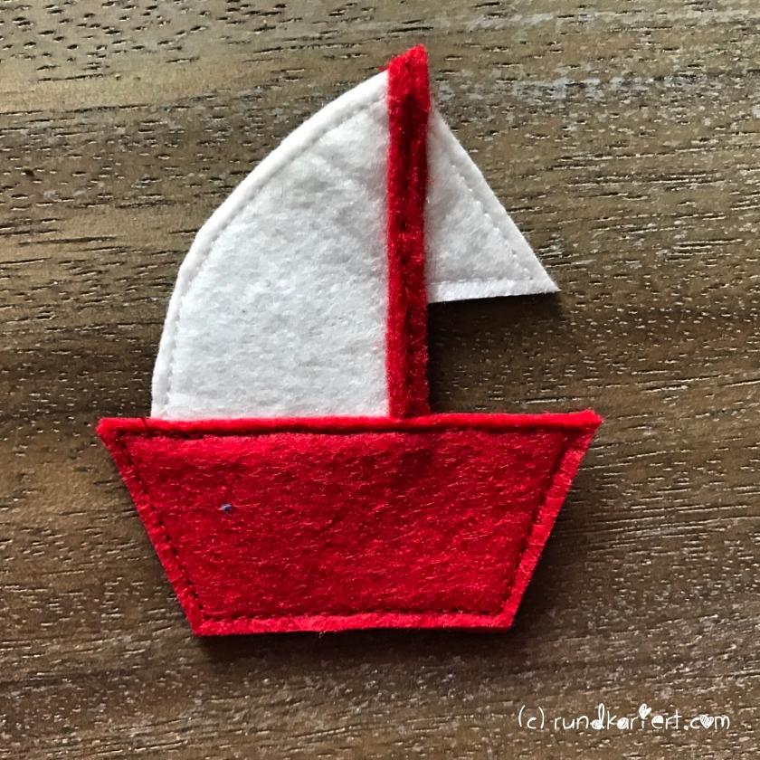 Quiet_Book_Beschäftigungsbuch_Baby_Anleitung_nähen_DIY_rundkariert_Segelboot